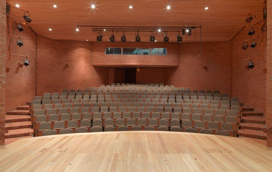 teatro parqueadero LFLP